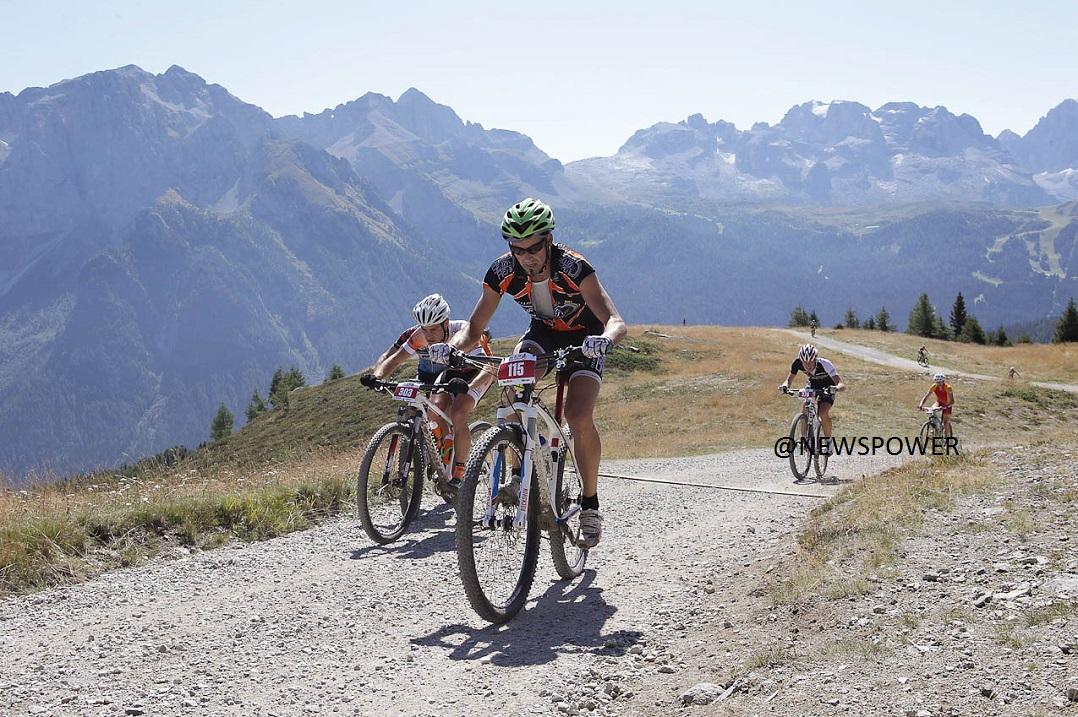 In cima al Rifugio Orso Bruno Val di Sole Bike Marathon