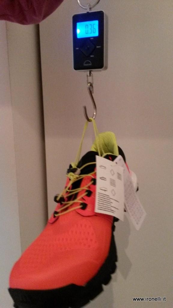 Peso scarpa da trail Adidas Raven Boost