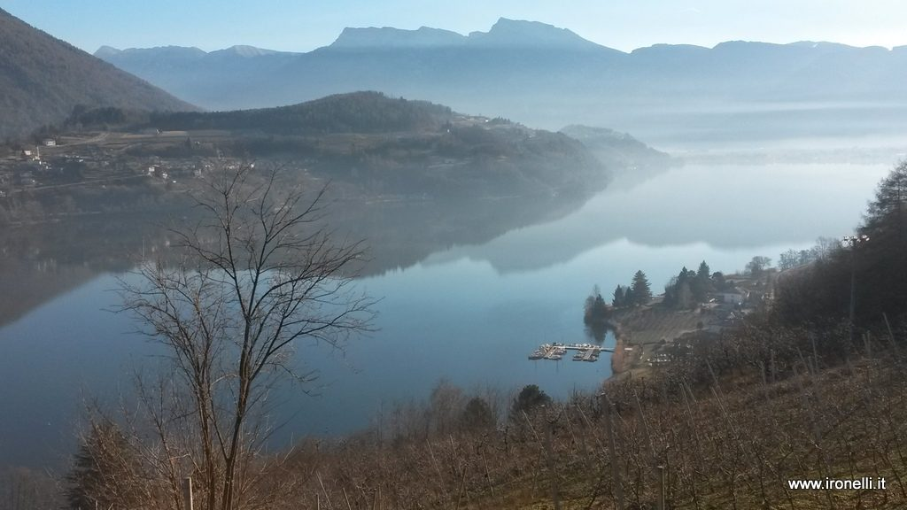 Lago di Caldonazzo dai masi di Castagné