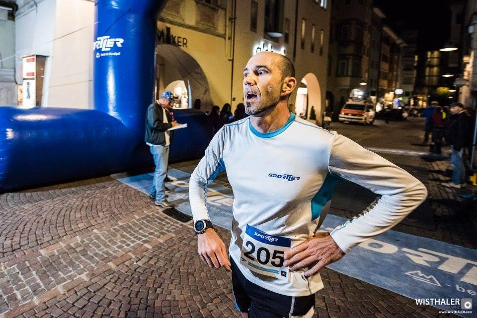 Spotler Night Run - arrivo in centro a Bolzano