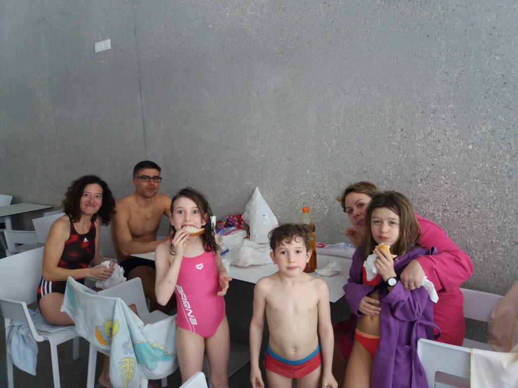Pic nic alla todesca in piscina a Campo Tures