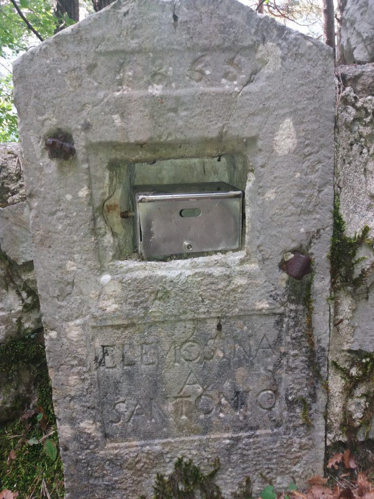 La stele è del 1865?