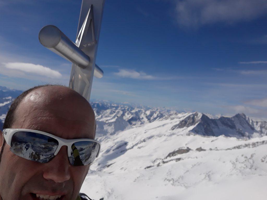 In cima al Trunerkamp troppo vento per fermarsi a godere del panorama.
