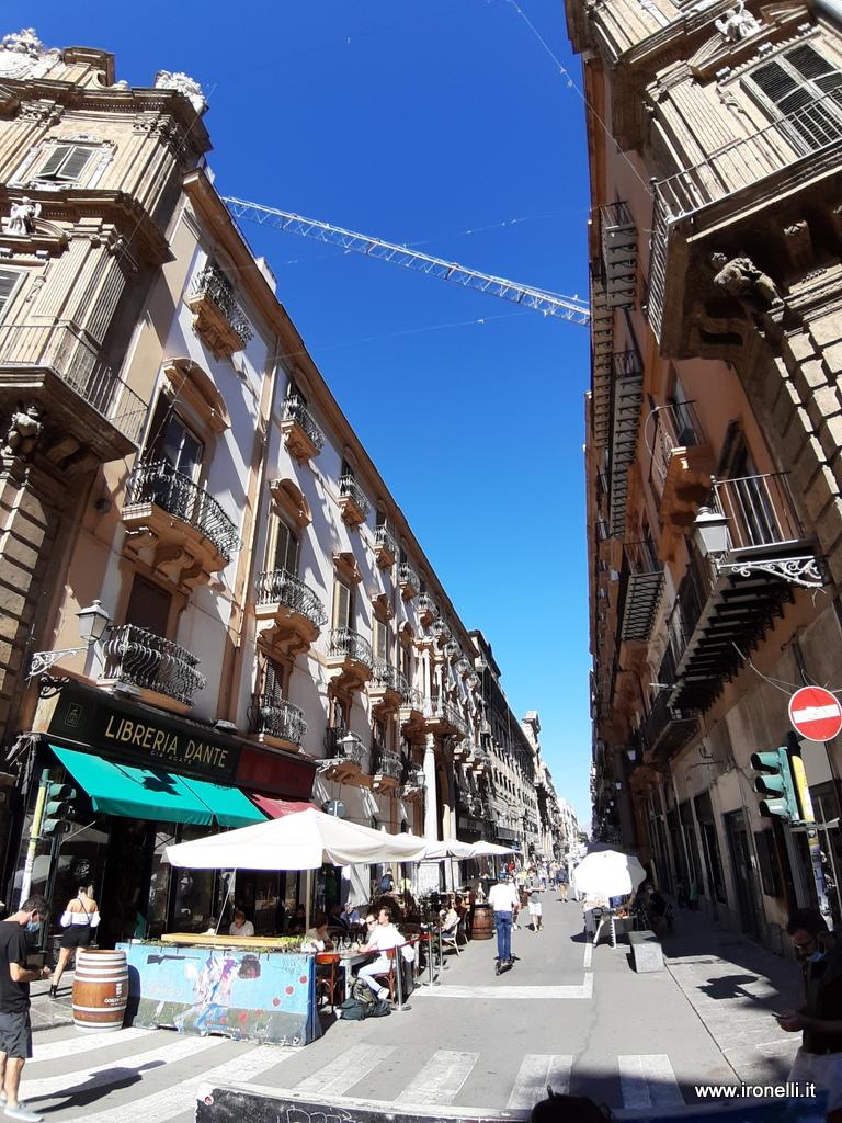 Scorci di Palermo - la via dello struscio, via Maqueda