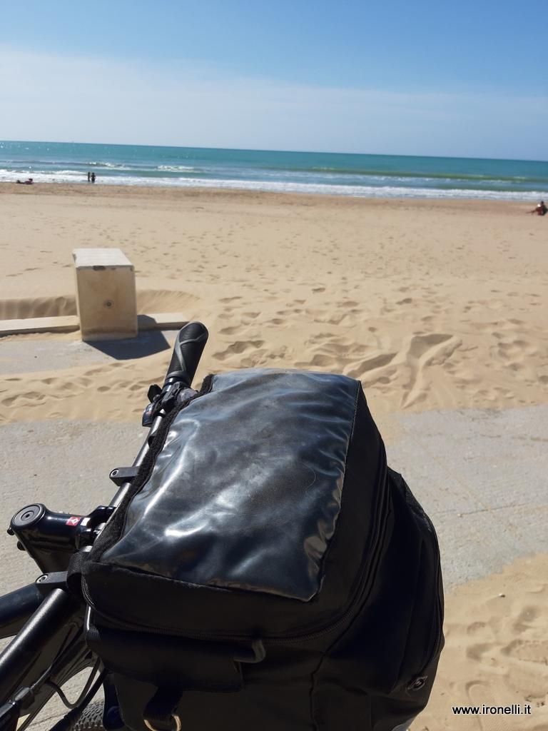 La spiaggia di Gela è enorme e pulitissima.